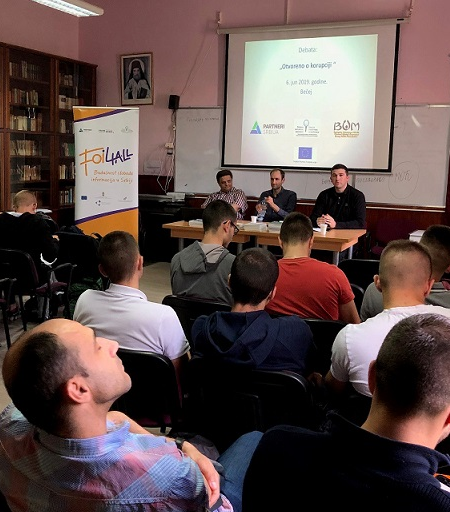 "Debate ""Openly about Corruption"" Organized with High Schoolers in Becej"